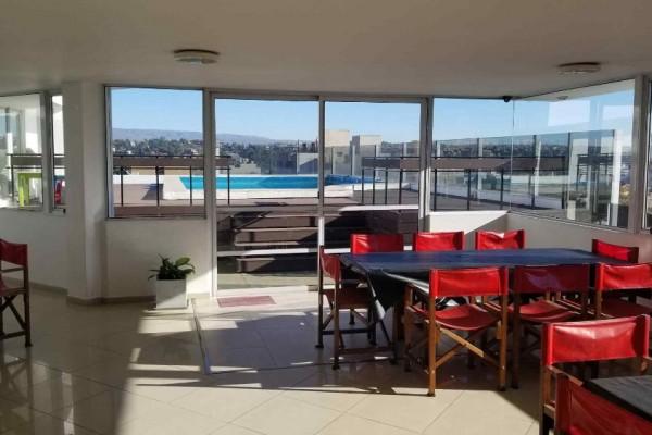Departamento edificio Carilo Carlos Paz 2 dormitorios 2 baños, cocina comedor amplia cochera pileta SUM con asador Lavadero comun